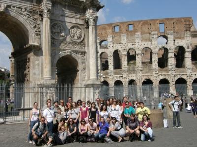 Csapatunk a Colosseum előtt