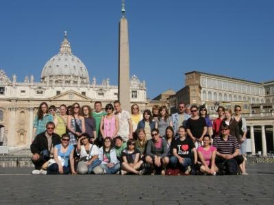 Csoportunk a Szent Péter-bazilika előtt