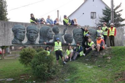 Partizán-emlékmű Hegybányán