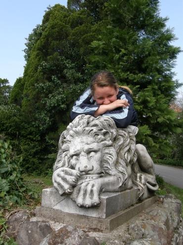 Titanilla és az ő oroszlánja (kissé hasonlítanak is)